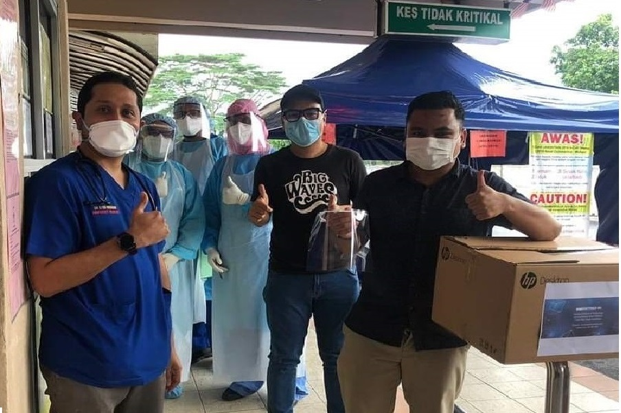 Fight Covid-19 : USIM Produces Face Shields for The Front Liners