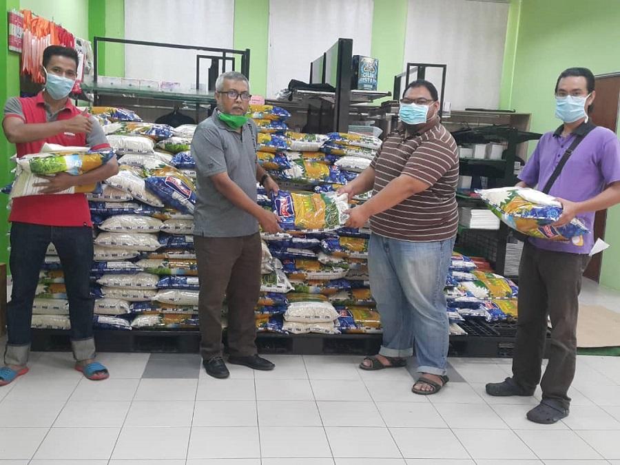 Persatuan dan PTj USIM ringankan beban warga, sumbang barangan asas dalam hadapi Covid-19