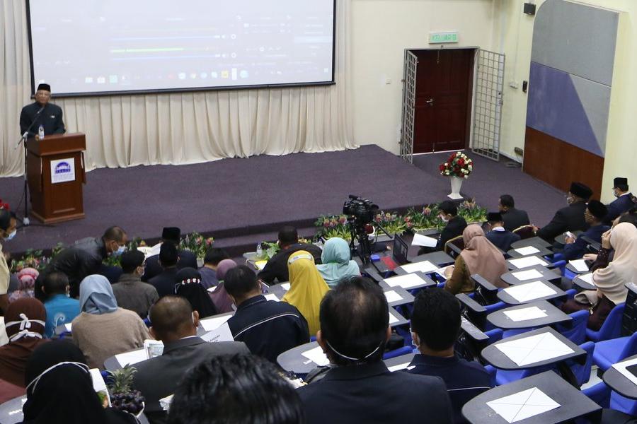 Seminar pengurusan hal ehwal Islam menjana ilmu baharu menghadapi cabaran semasa