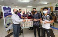 Hayati keberkatan Ramadhan, 1800 bubur lambuk diagih kepada staf dan pelajar